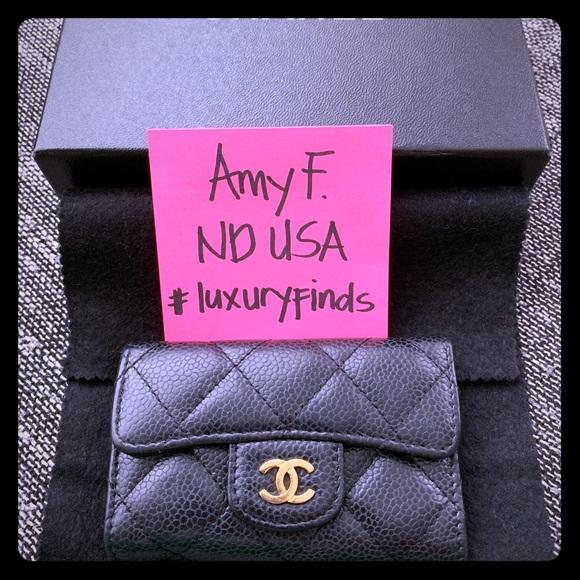 62c265b37a8d CHANEL Handbags - Vintage Chanel Black Caviar 6 key holder